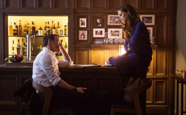 James McAvoy y Alicia Vikander, en 'Submergence'.