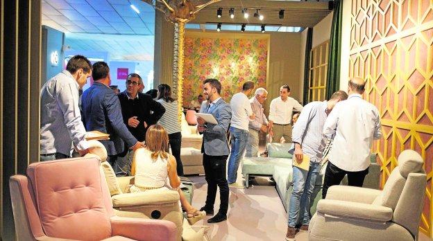 La feria del mueble recibe m s visitas y se plantea for Feria del mueble valencia