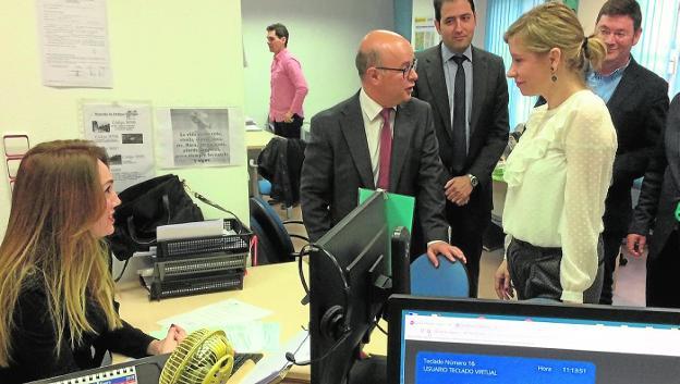 La agencia tributaria regional recauda 4 1 millones a for Oficinas de agencia tributaria en barcelona