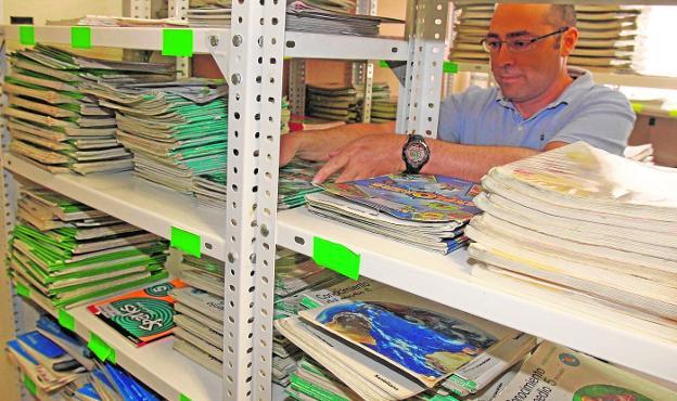 Los colegios comprarán los libros de texto para los alumnos de ...