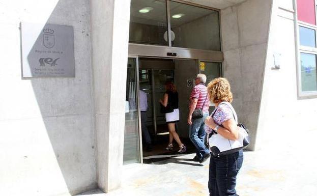 Septiembre deja 758 nuevos parados en la regi n de murcia for Oficina del paro murcia