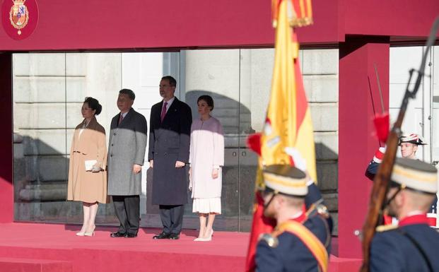 Recibimiento de los Reyes al presidente chino.