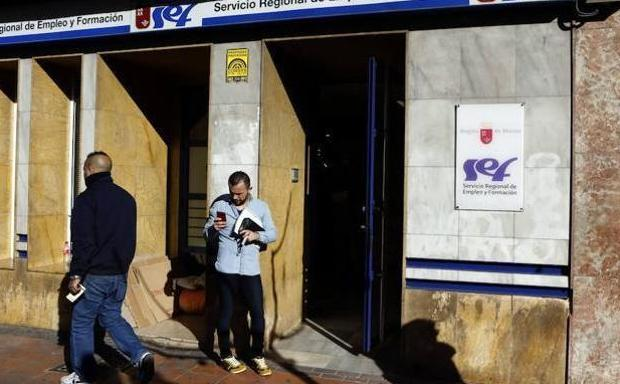 2019 arranca con desempleados m s en la regi n de for Oficinas sef murcia