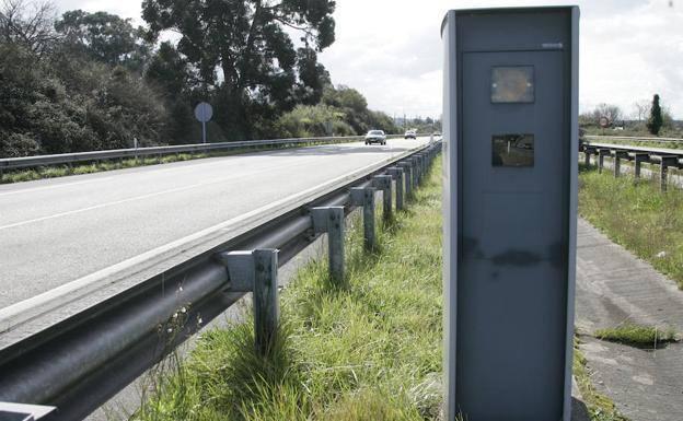 La regla del 7 que aplica la Guardia Civil para las multas de los radares