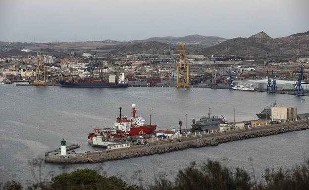 Vista del Puerto de Cartagena, en una fotografía de archivo./J.M. Rodríguez / agm