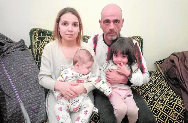 Cristóbal Caro, with his wife and two children, in Algeria, in an image provided by the family.