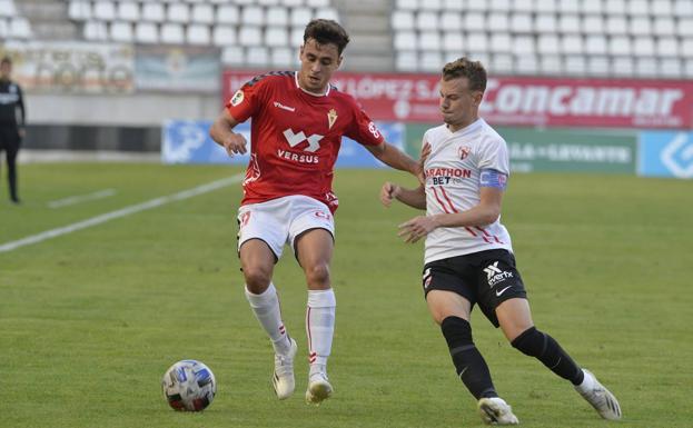 Pablo Haro, en un partido contra el Sevilla Atlético.