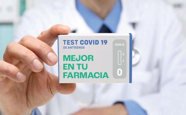 Detalle del cartel informativo de la campaña de venta de test en farmacias./Cofrm